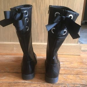 Girls tall black boots- size 1